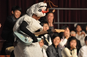 Non-stop artistic suspense at the Elementary Christmas Concert