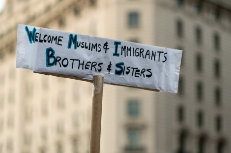 welcome_muslims_and_immigrant_brothers_and_sisters_sign_thursday_evening_rally_against_trumps_-muslim_ban-_policies_sponsored_by_freedom_muslim_american_womens_policy_32172274010